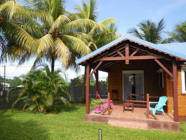 Terrasse aménagée de votre location en Guadeloupe.