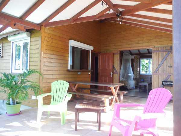 La terrasse de votre bungalow en Guadeloupe.