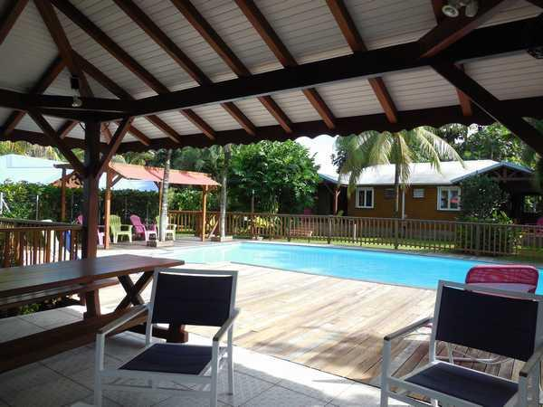 Lamatéliane locations avec piscine et carbet.
